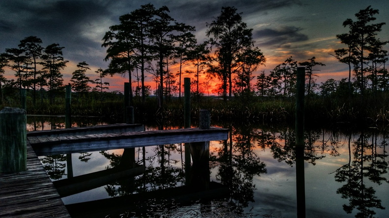2015-09-01-Ferry-Pass-Bayou-Sunset.jpg
